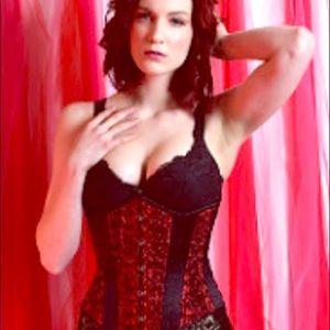 Timeless trends corset - taffeta roses and black